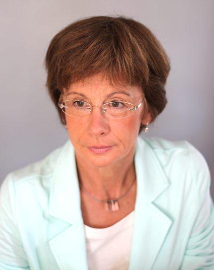 Dr. Angela Thiele